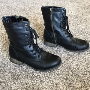 •Bamboo• Black Lace Up Combat Boots - 5.5